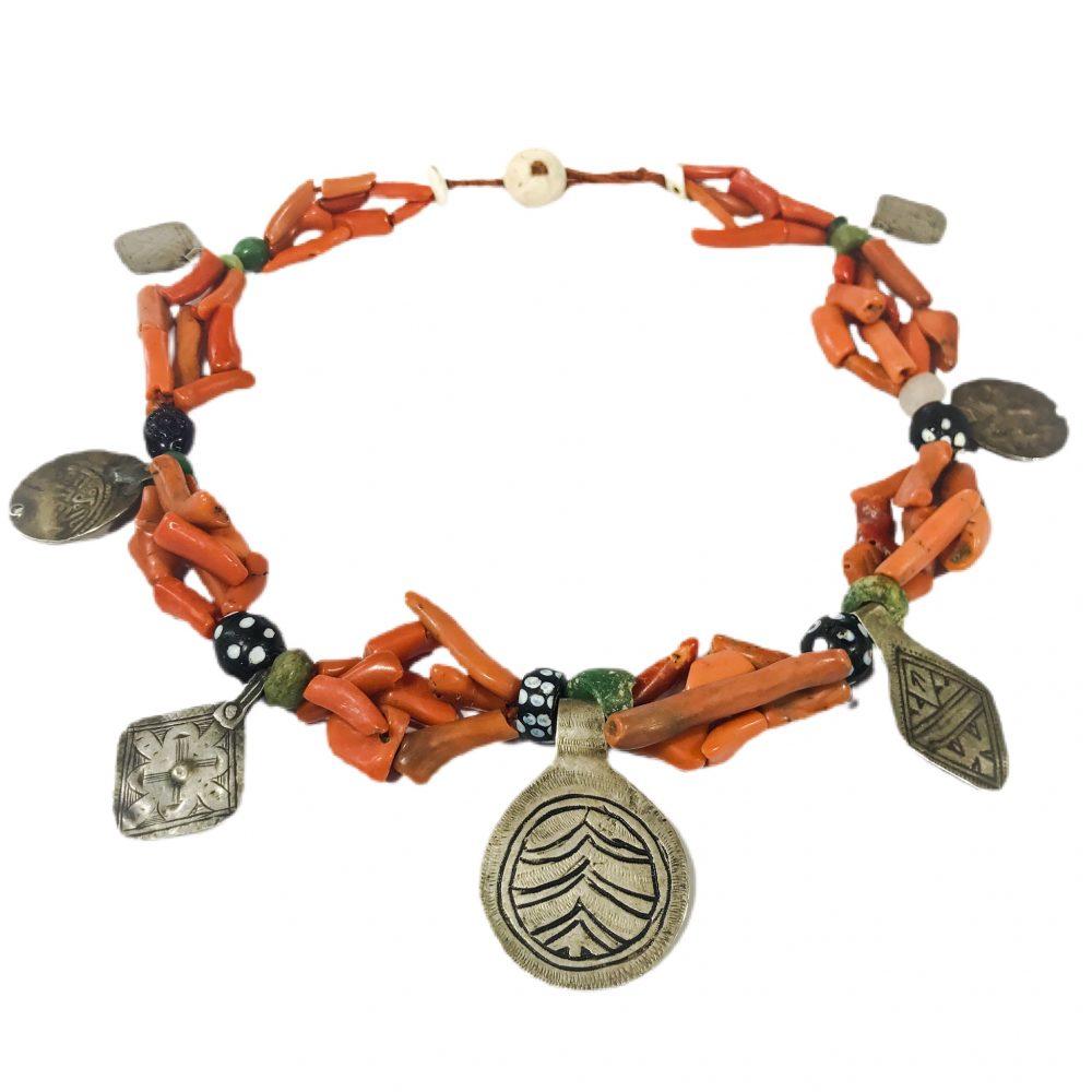 antica collana etnica berbera in corallo e argento