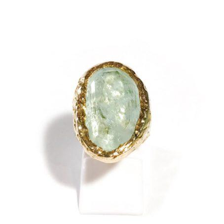 anello retrò in argento dorato con grande acquamarina