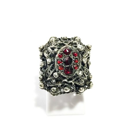 Victorian ring in silver filigree and garnets
