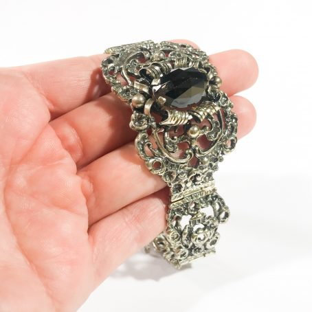 bracciale vittoriano in argento con granato dettaglio