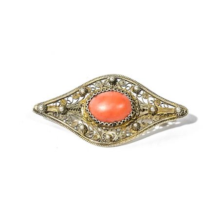 1920s brooch in silver filigree with coral