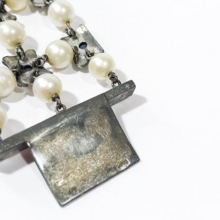 dettagli bracciale liberty in argento con perle e zaffiri
