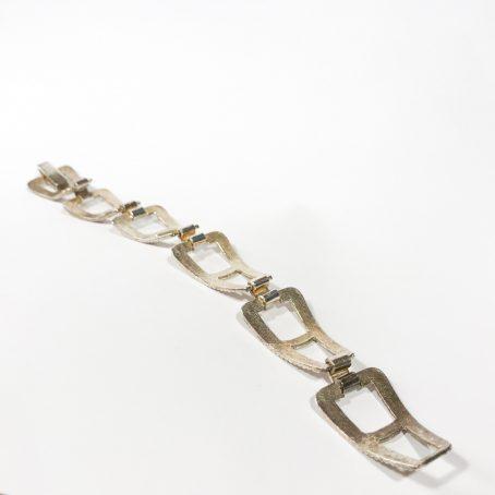 dettagli bracciale anni 60 in argento e smalti