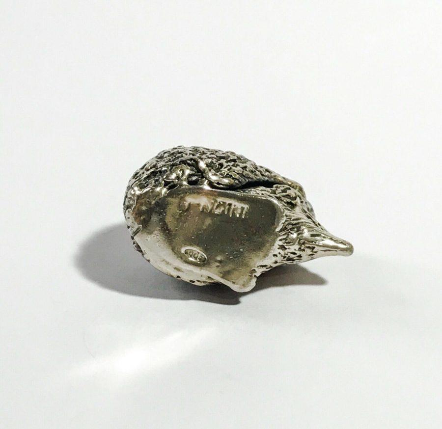 dettagli miniatura vintage italiana riccio in argento firmata Angini