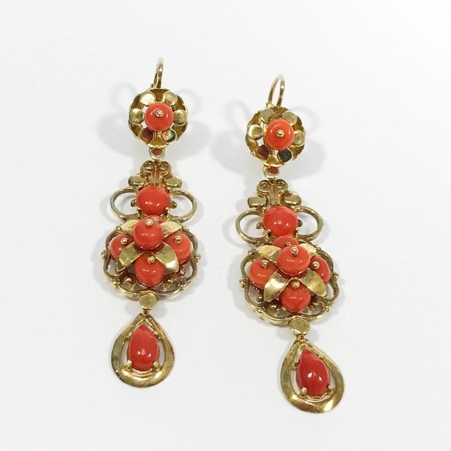 orecchini pendenti argento e corallo